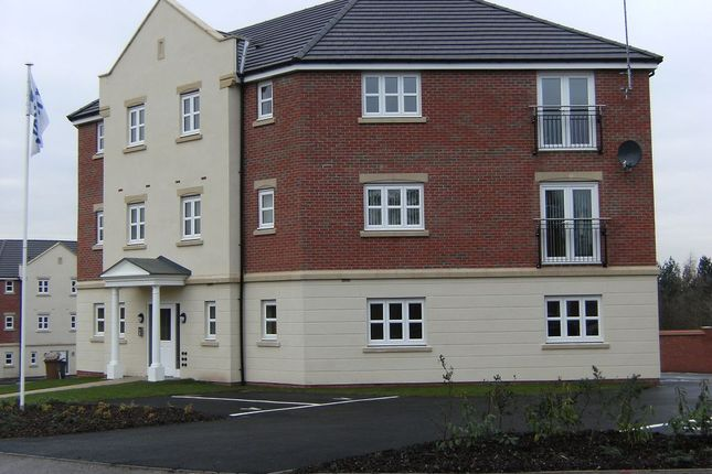 Thumbnail Flat to rent in Highfields Park Drive, Broadway, Derby