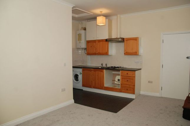 Thumbnail Flat to rent in Morshead Road, Plymouth