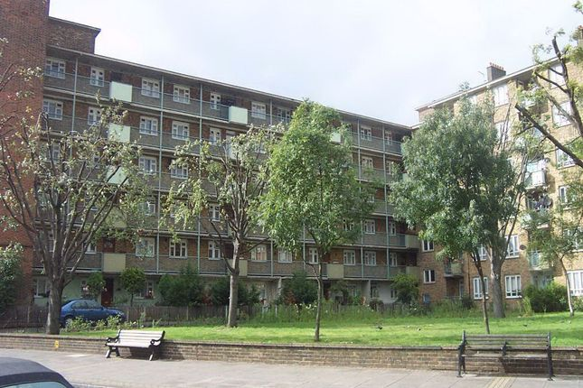 Thumbnail Flat to rent in Sidney House, Old Ford Road, Bethnal Green