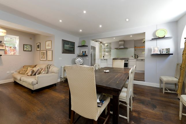 Thumbnail Town house for sale in Westmoreland Terrace, Pimlico
