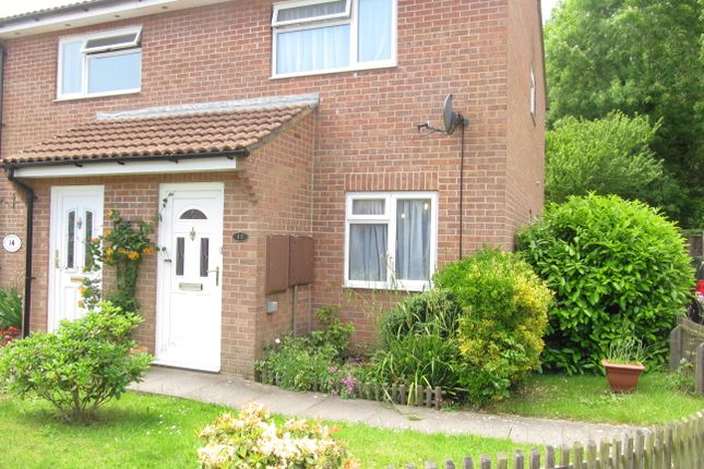 2 bed end terrace house to rent in Blackthorn Close, Lymington SO41
