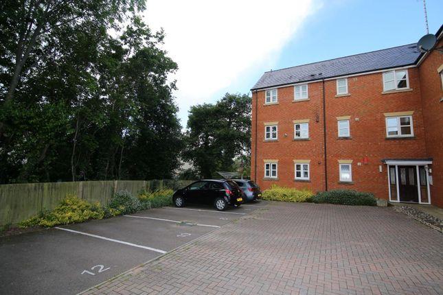 Thumbnail Flat to rent in Massey Road, Tiverton