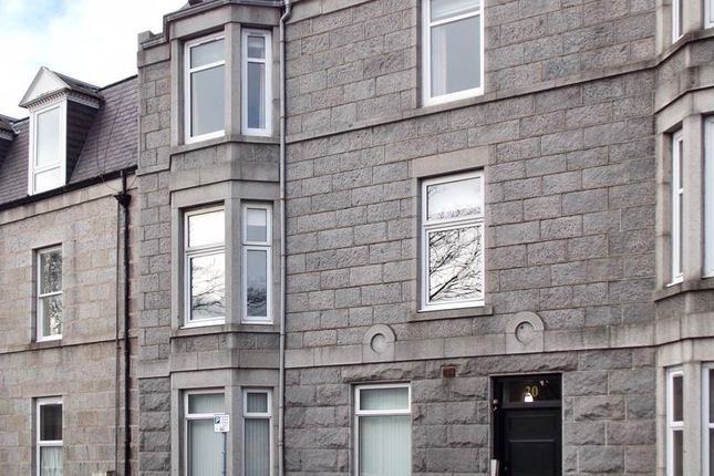 Thumbnail Flat for sale in Whitehall Place, Aberdeen
