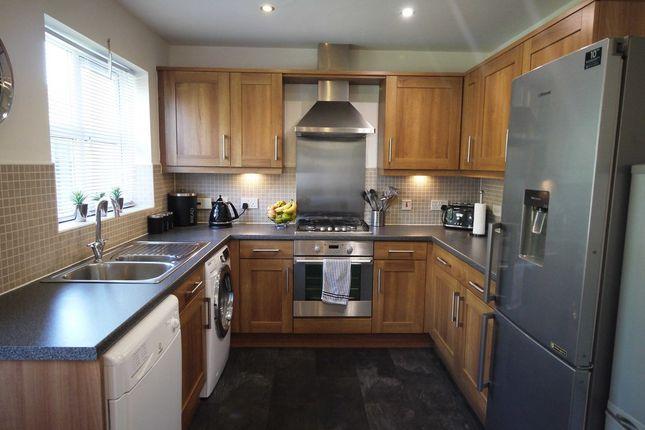 Kitchen of Honey Hall Ing, Huddersfield, West Yorkshire HD2