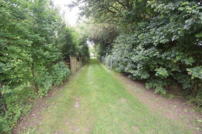 Thumbnail Land for sale in Collingtree, Luton