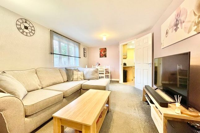 2 bed flat for sale in Dove Place, Holroyd Road, Claygate KT10