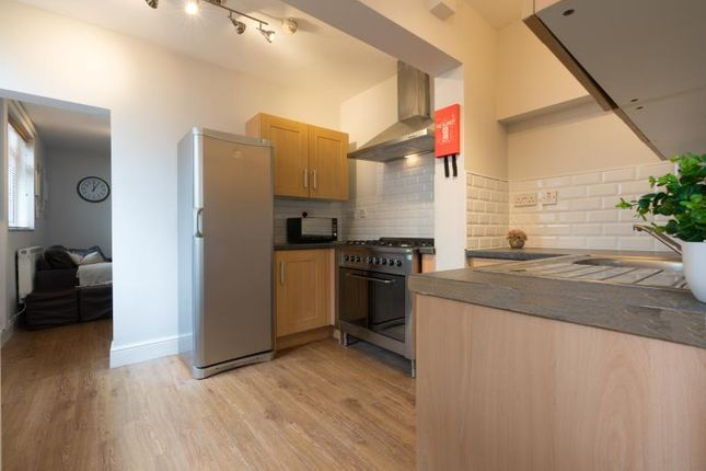 Thumbnail Shared accommodation to rent in Mackintosh Place, Cardiff