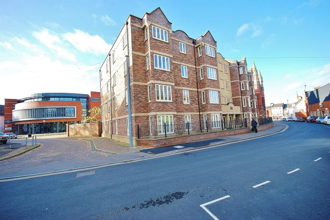 Thumbnail Flat to rent in Broad Street, Spalding
