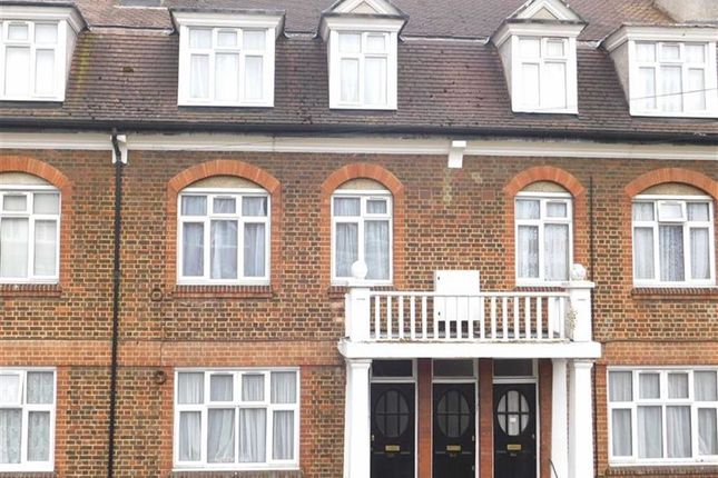 Thumbnail Flat to rent in Southcroft Road, London
