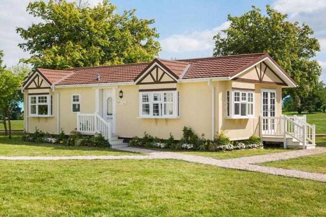 Thumbnail Mobile/park home for sale in Bayworth Park, Abingdon, Oxfordshire
