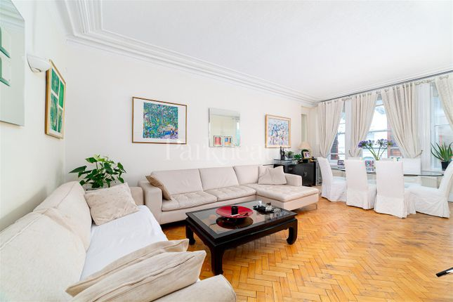 5 bed flat for sale in Canfield Gardens, London NW6