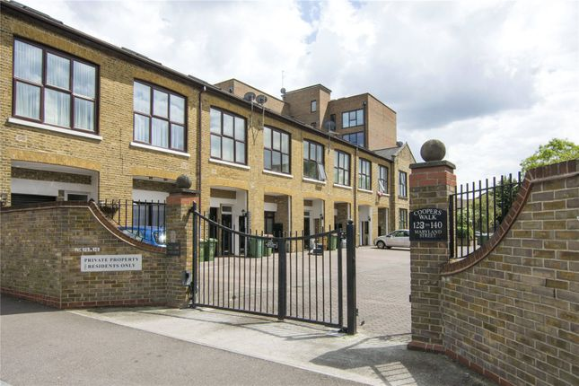 1 bed terraced house to rent in Coopers Walk, Maryland Street, London E15