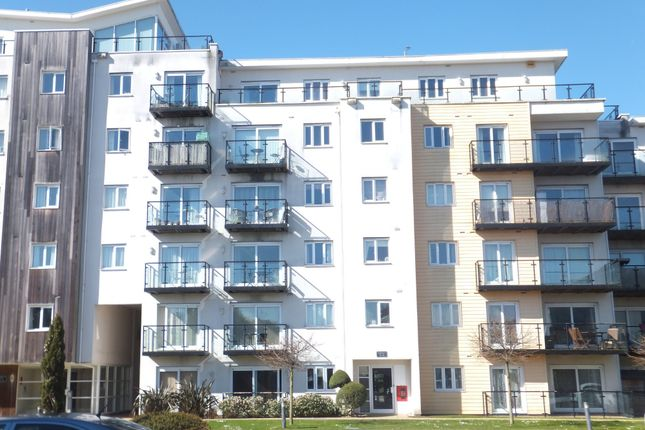 2 bed flat to rent in Admirals House, Gisors Road, Milton, Portsmouth