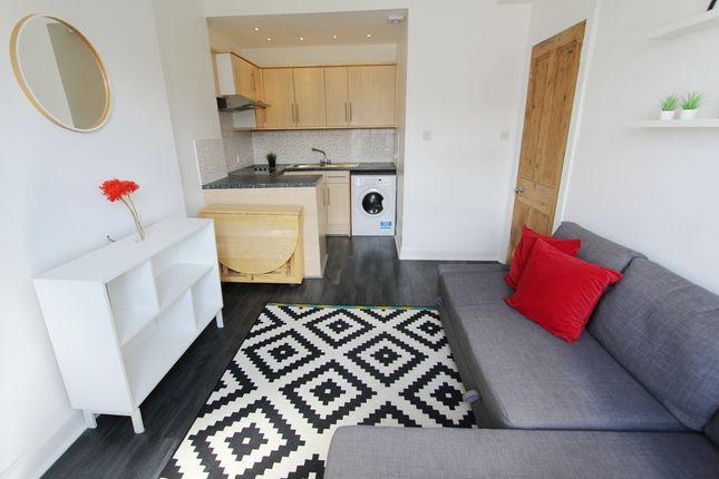 Lounge/Kitchen of Yardheads, Edinburgh, Leith EH6