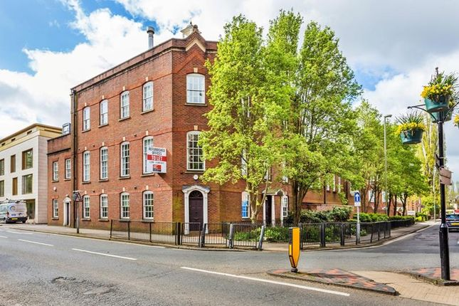 Thumbnail Office to let in Wey Court East, Union Road, Farnham