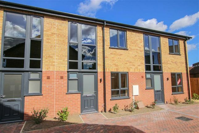 Thumbnail Property for sale in Oxford Court, Market Rasen, Lincolnshire