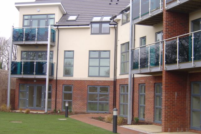 Thumbnail Flat to rent in Charter Court, Romsey