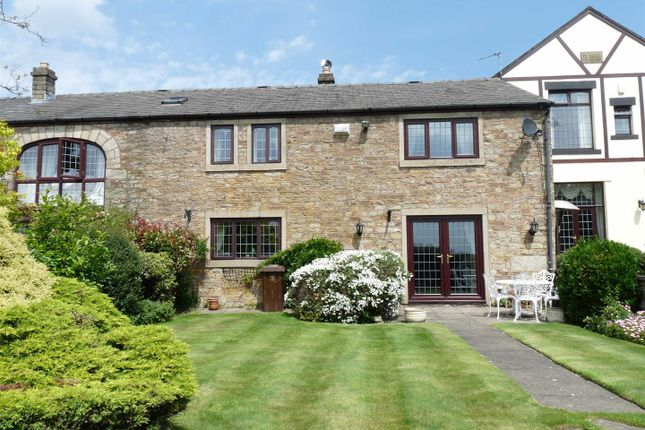 4 bed barn conversion to rent in Old Hall Mews, Off Brandlesholme Road, Greenmount BL8