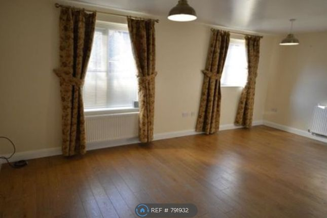 Thumbnail Flat to rent in Feversham Close, Manchester