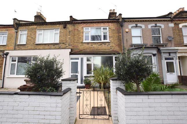 Thumbnail Property for sale in Borthwick Road, London