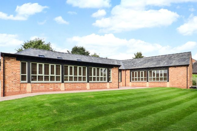 Thumbnail Bungalow to rent in Upper Court, Hardwick Business Park, Noral Way, Banbury