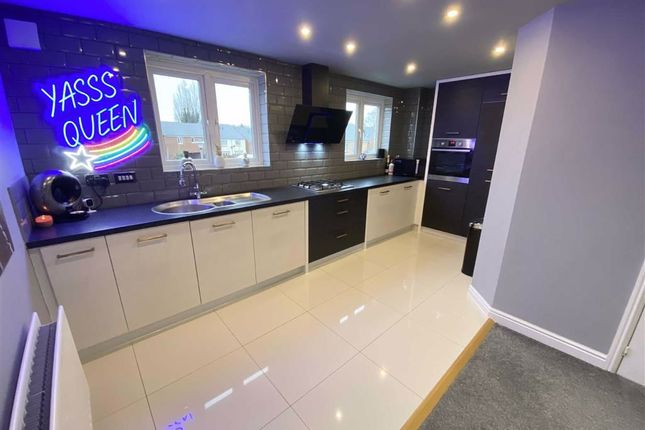 Thumbnail Town house for sale in Cae Mawr, Wrexham