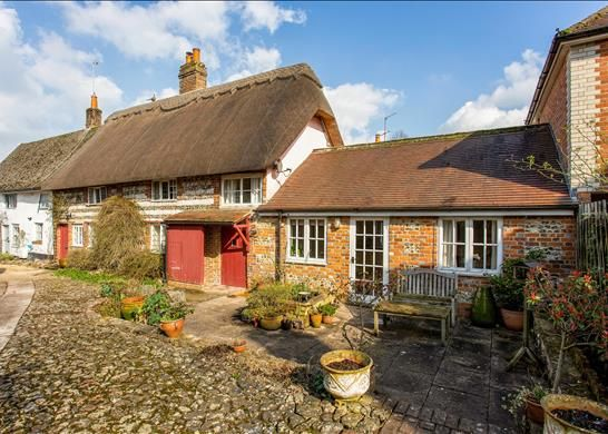 Thumbnail Cottage for sale in Castle Street, Marlborough, Wiltshire
