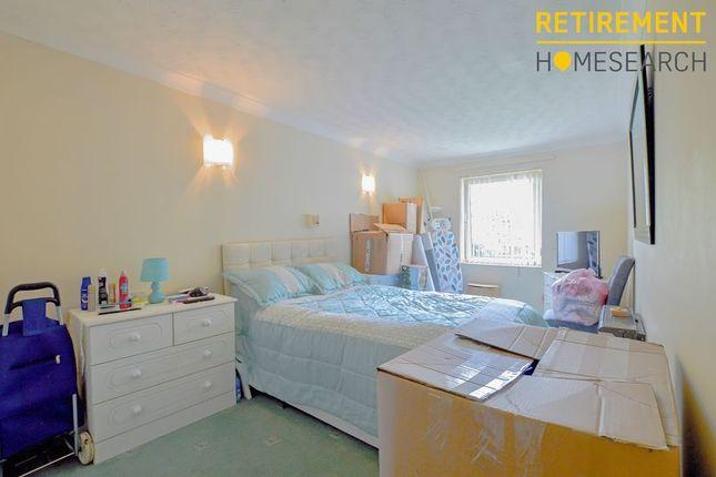 Bedroom of Homegower House, Swansea SA1