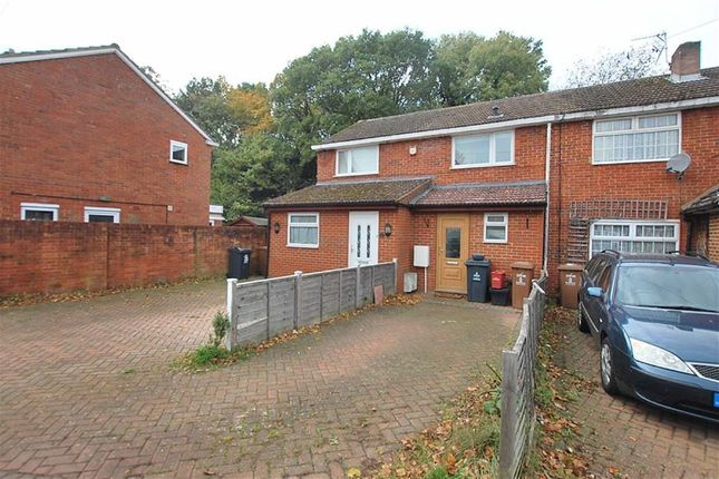 Thumbnail Terraced house to rent in Peartree Way, Stevenage, Hertfordshire