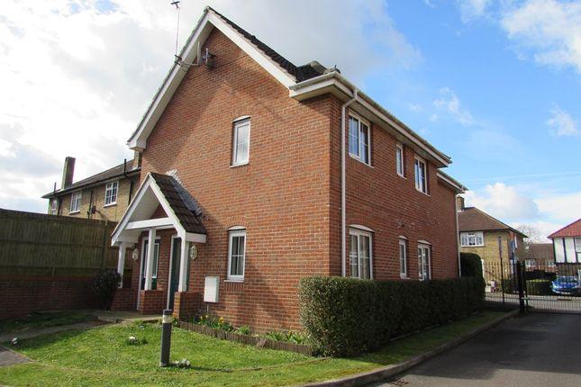 Thumbnail Flat to rent in Malmesbury Road, Morden