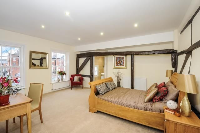 Thumbnail Flat to rent in Broad Street, Wokingham