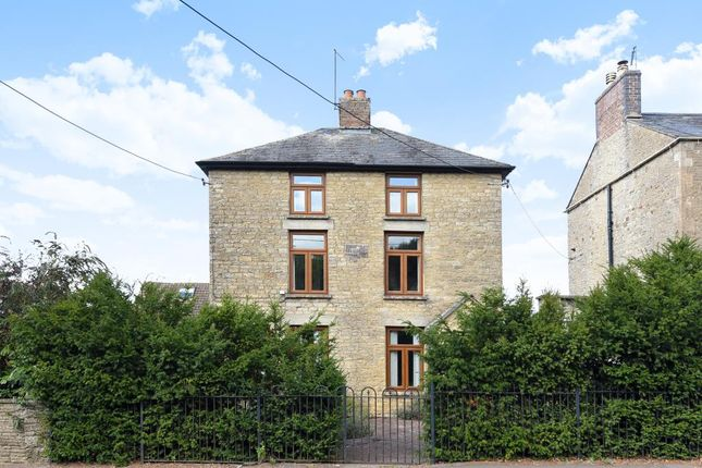Thumbnail Detached house for sale in Churchill Road, Chipping Norton