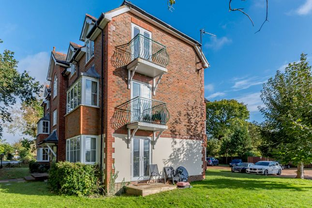 1 bed flat for sale in Baybrook, Maidenhead Road, Cookham SL6