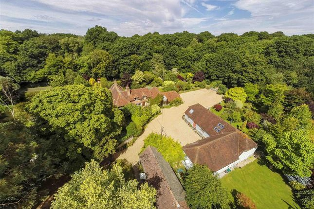 5 bedroom detached house for sale in Brick Kiln Common, Wisborough Green, Billingshurst