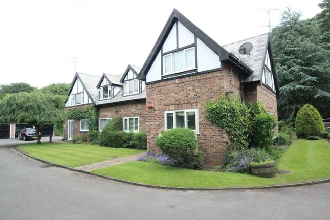 Thumbnail Flat for sale in The Avenue, Sale