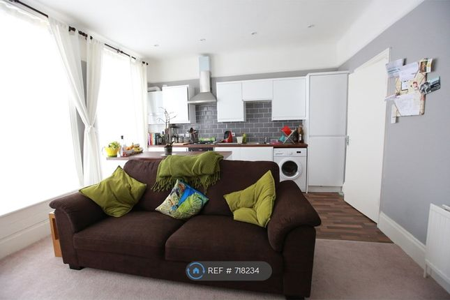 Room to rent in Springbank Road, London