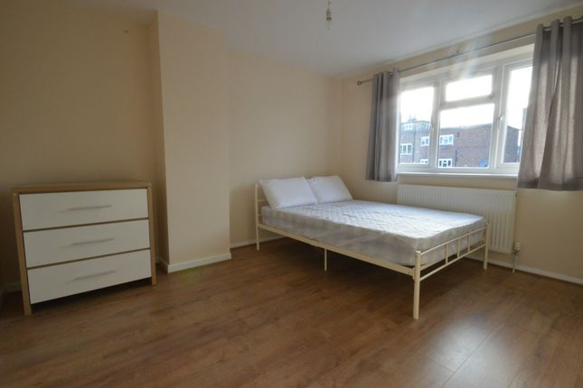 Thumbnail Flat to rent in Longbridge Way, Lewisham