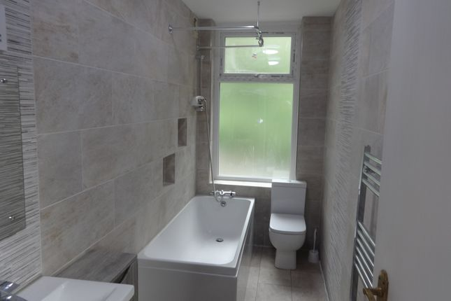 Thumbnail Detached house to rent in Willans Road, Dewsbury