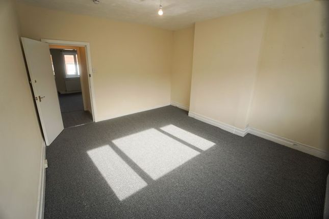 4 bed flat to rent in Lee Lane, Horwich, Bolton BL6