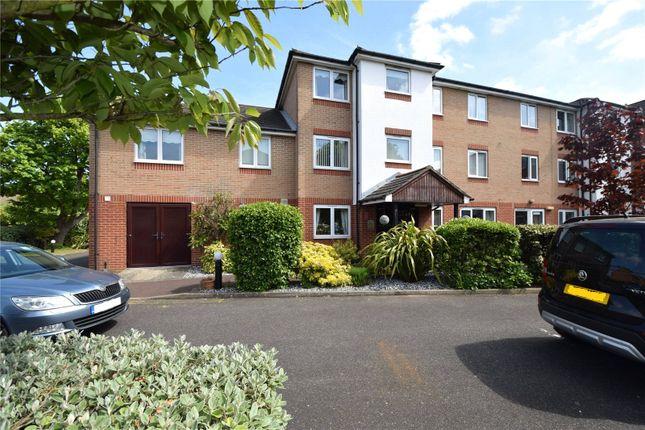 Thumbnail Flat for sale in Kennett Court, Oakleigh Close, Swanley, Kent