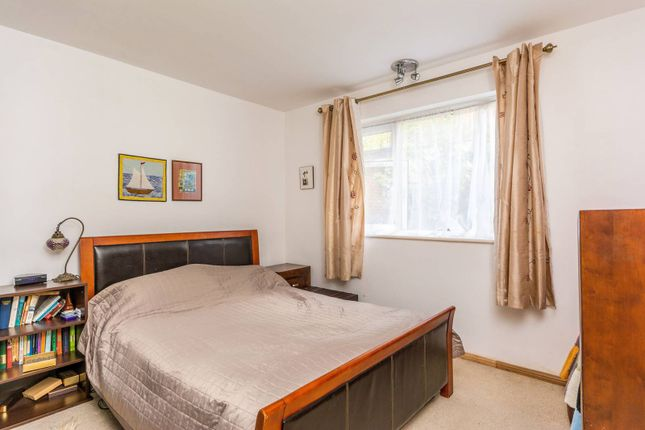 Thumbnail Flat for sale in Grosvenor Court, Chiswick