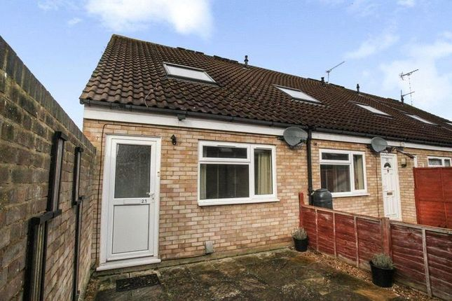 Thumbnail Terraced house to rent in Crop Common, Hatfield