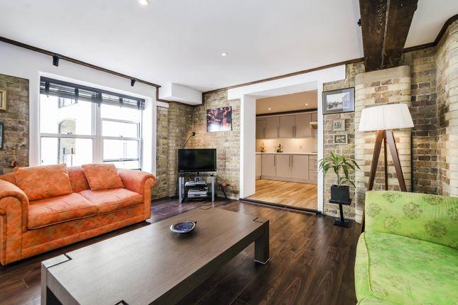 Thumbnail Flat to rent in St. Saviours Estate, London