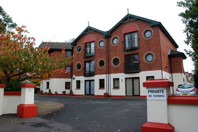 Thumbnail Flat to rent in North Road, Belfast
