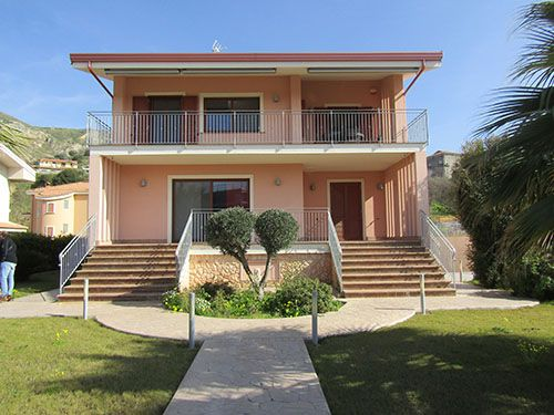 Thumbnail Villa for sale in Close To The Beach, Amantea, Cosenza, Calabria, Italy