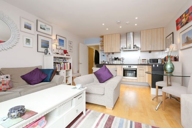 Thumbnail Cottage for sale in Northstand Apartments, Highbury Stadium Square, Highbury, London