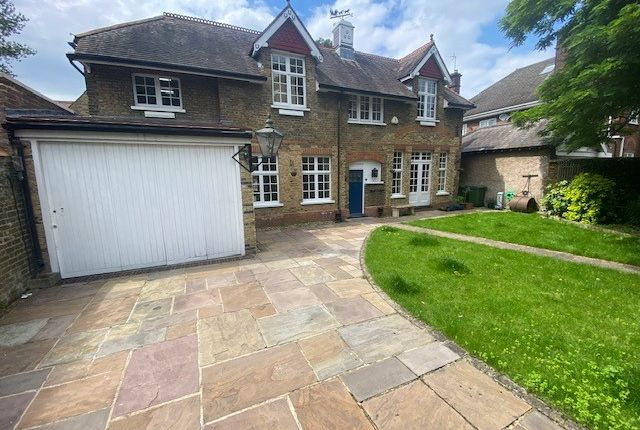 5 bed detached house to rent in Hardy Road, London SE3