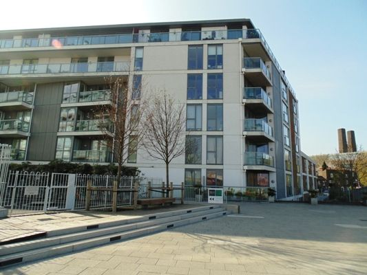 Thumbnail Flat for sale in Banning Street, London