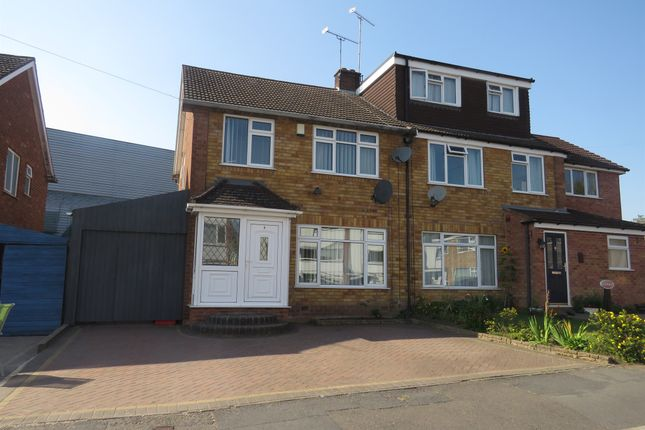 Thumbnail Semi-detached house for sale in Kemp Close, Warwick