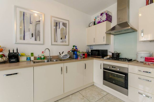 Thumbnail Property to rent in Rowen Avenue, Mill Hill, London
